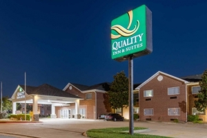 Quality Inn hotel in Mountain Home Arkansas